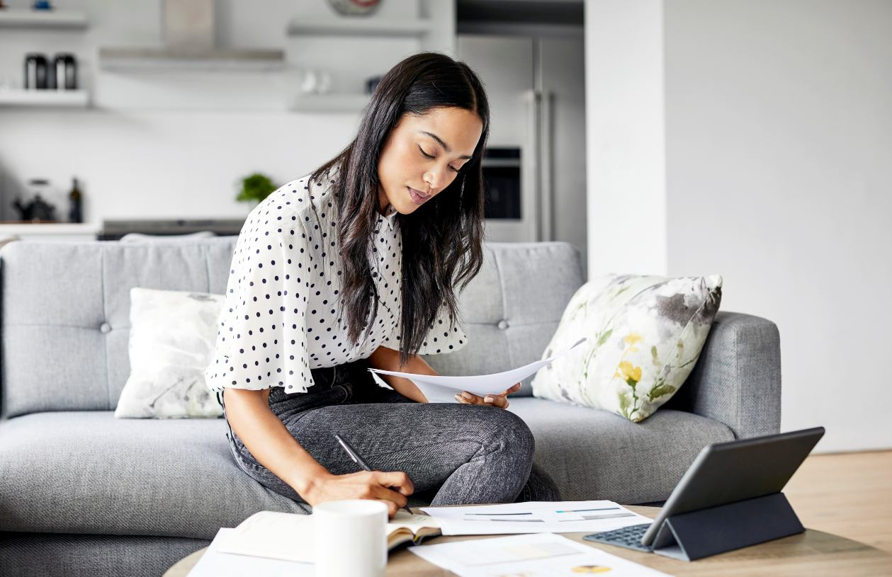 Woman budgets to build her emergency fund fast